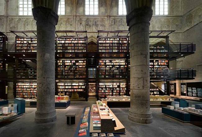 crkva pretvorena u knjizaru 6 Neobični enterijer katedrale pretvorene u knjižaru