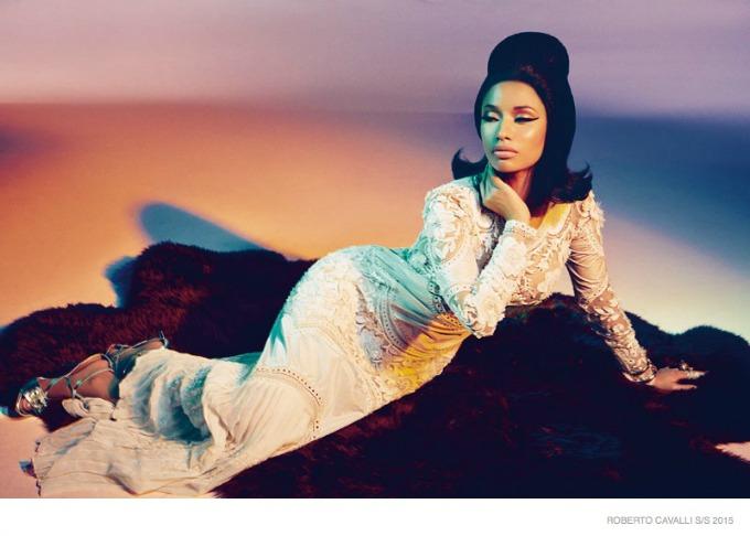 glamourozna niki minaz 1 Glamurozna Niki Minaž u kampanji brenda Roberto Cavalli