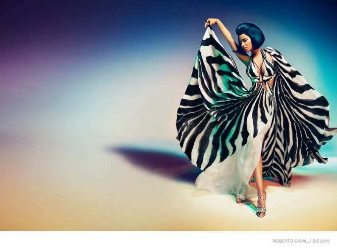 glamourozna niki minaz 2 Glamurozna Niki Minaž u kampanji brenda Roberto Cavalli