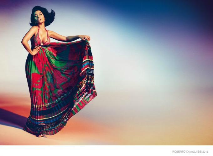 glamourozna niki minaz 3 Glamurozna Niki Minaž u kampanji brenda Roberto Cavalli