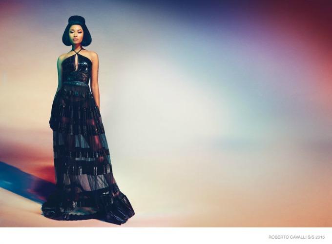 glamourozna niki minaz 4 Glamurozna Niki Minaž u kampanji brenda Roberto Cavalli