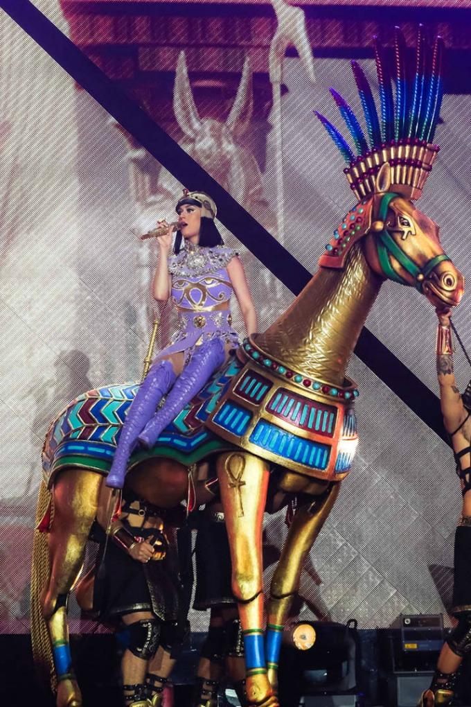 kejti peri Deset najboljih scenskih kostima 2014. godine