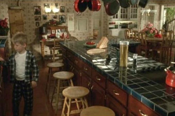 kuhinja nekad Dom iz filma Sam u kući nekad i sad