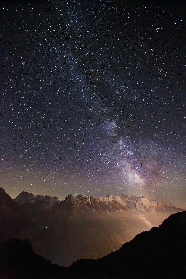 nocno nebo nad mon blanom Planinarenje kao potraga ka lepotama sveta   Karol Nienartovic