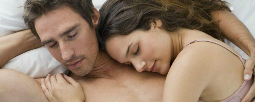 Sa novim dečkom u krevetu: Pet stvari koje treba da mu kažete odmah