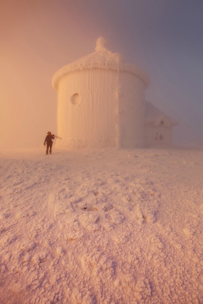 smrznuta kapela alpi Planinarenje kao potraga ka lepotama sveta   Karol Nienartovic