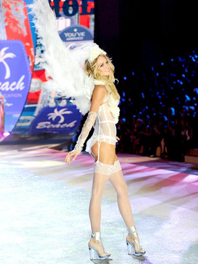 victorias secret fashion show 2012 lindsay ellingson Najbolji modni momenti: Revije Victorias Secret