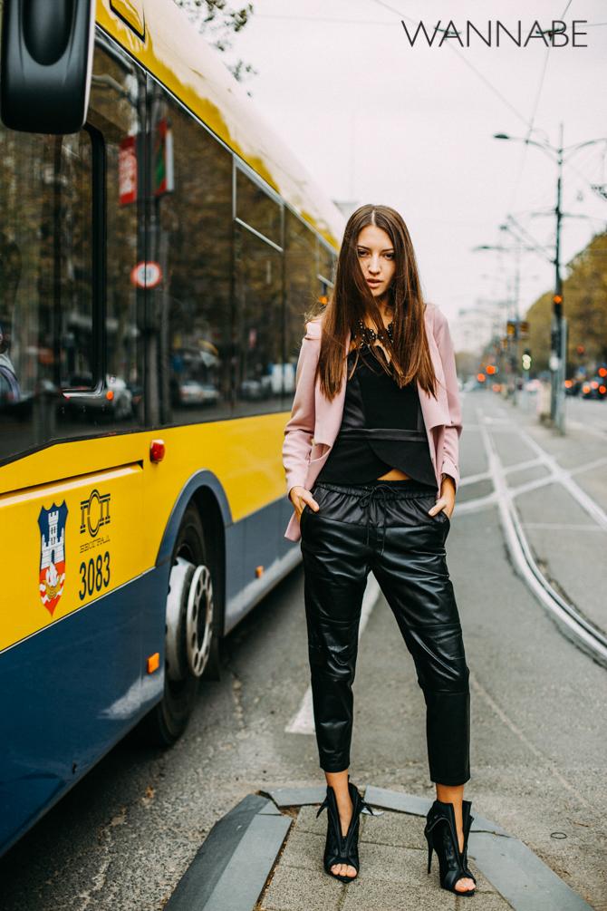 Wannabe fashion predlog 2 Modni predlog za izlazak: Roze sako i kožne pantalone