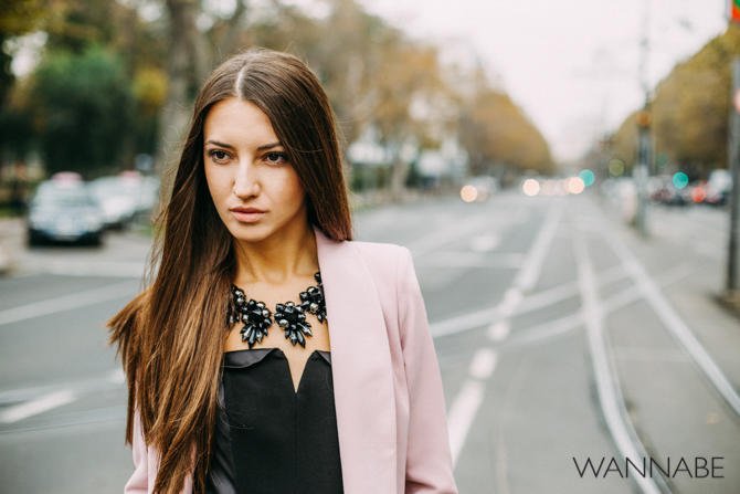 Wannabe fashion predlog 3 Modni predlog za izlazak: Roze sako i kožne pantalone
