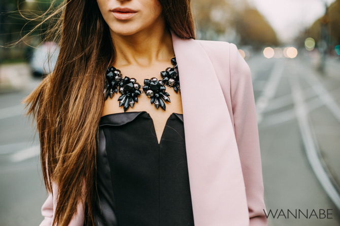 Wannabe fashion predlog 4 Modni predlog za izlazak: Roze sako i kožne pantalone