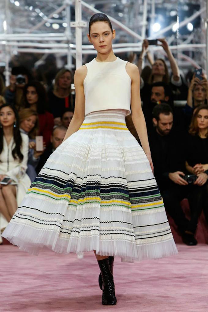 dior haljina Kako nastaje jedna Dior haljina?
