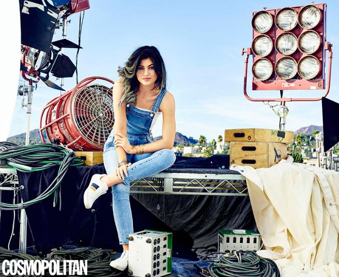 kajli dzener na naslovnici magazina cosmopolitan 2 Kajli Džener na naslovnici magazina Cosmopolitan