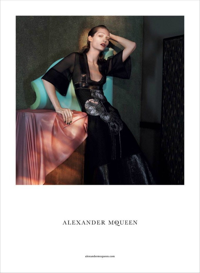 prolecna kampanja modne kuce alexander mcqueen 2 Prolećna kampanja modne kuće Alexander McQueen