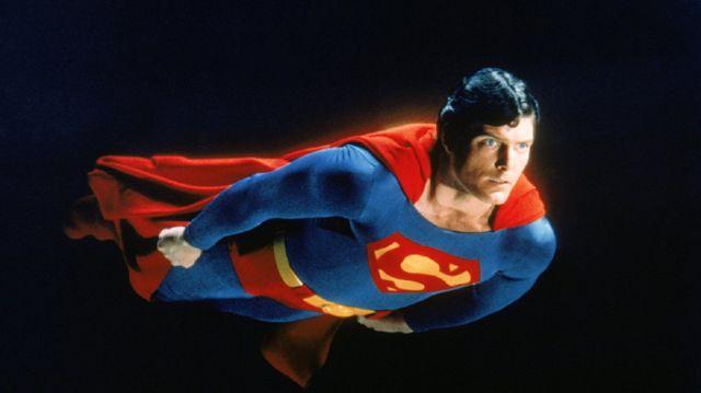 superman Kad muškarac leti on je supermen, kad žena leti ona je veštica