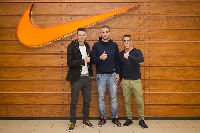 Fudbaleri Crvene Zvezde Petrovic Rajkovic Kovacevic Otvorena najmodernija Nike prodavnica u regionu