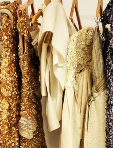 Kako da nosite haljine sa šljokicama