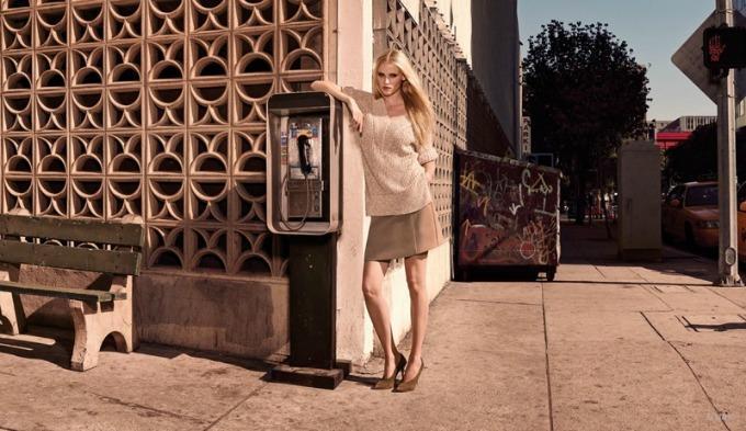 lara stoun u prolecnoj kampanji brenda hm 2 Lara Stoun u prolećnoj kampanji brenda H&M