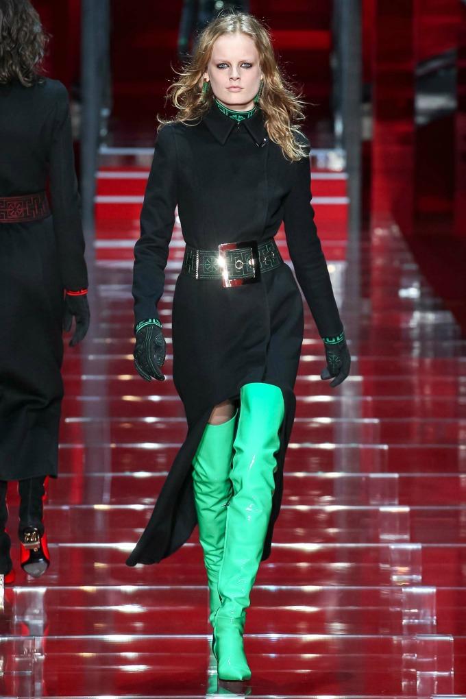 milanska nedelja mode revije brendova versace i moschino 2 Milanska Nedelja mode: Revije brendova Versace i Moschino