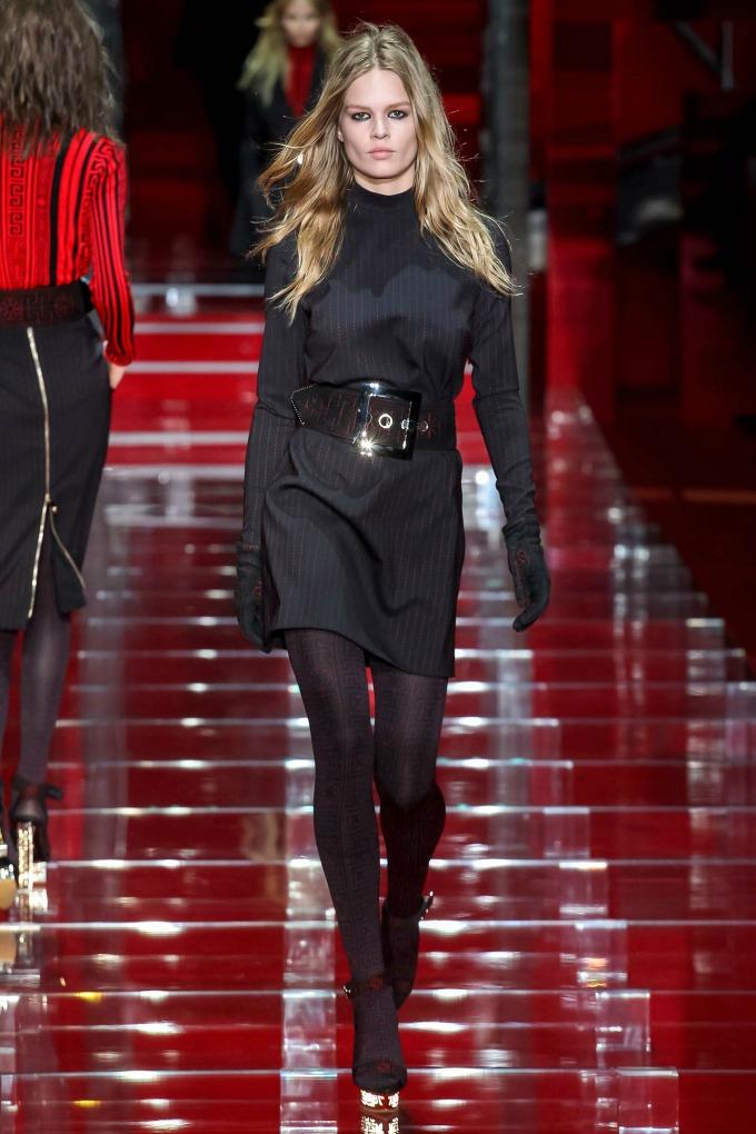 milanska nedelja mode revije brendova versace i moschino 4 Milanska Nedelja mode: Revije brendova Versace i Moschino