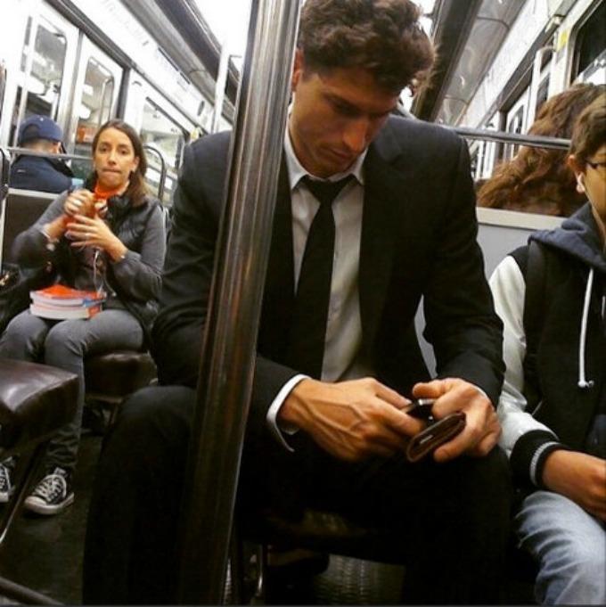 parizanin Zgodni momci se voze prevozom