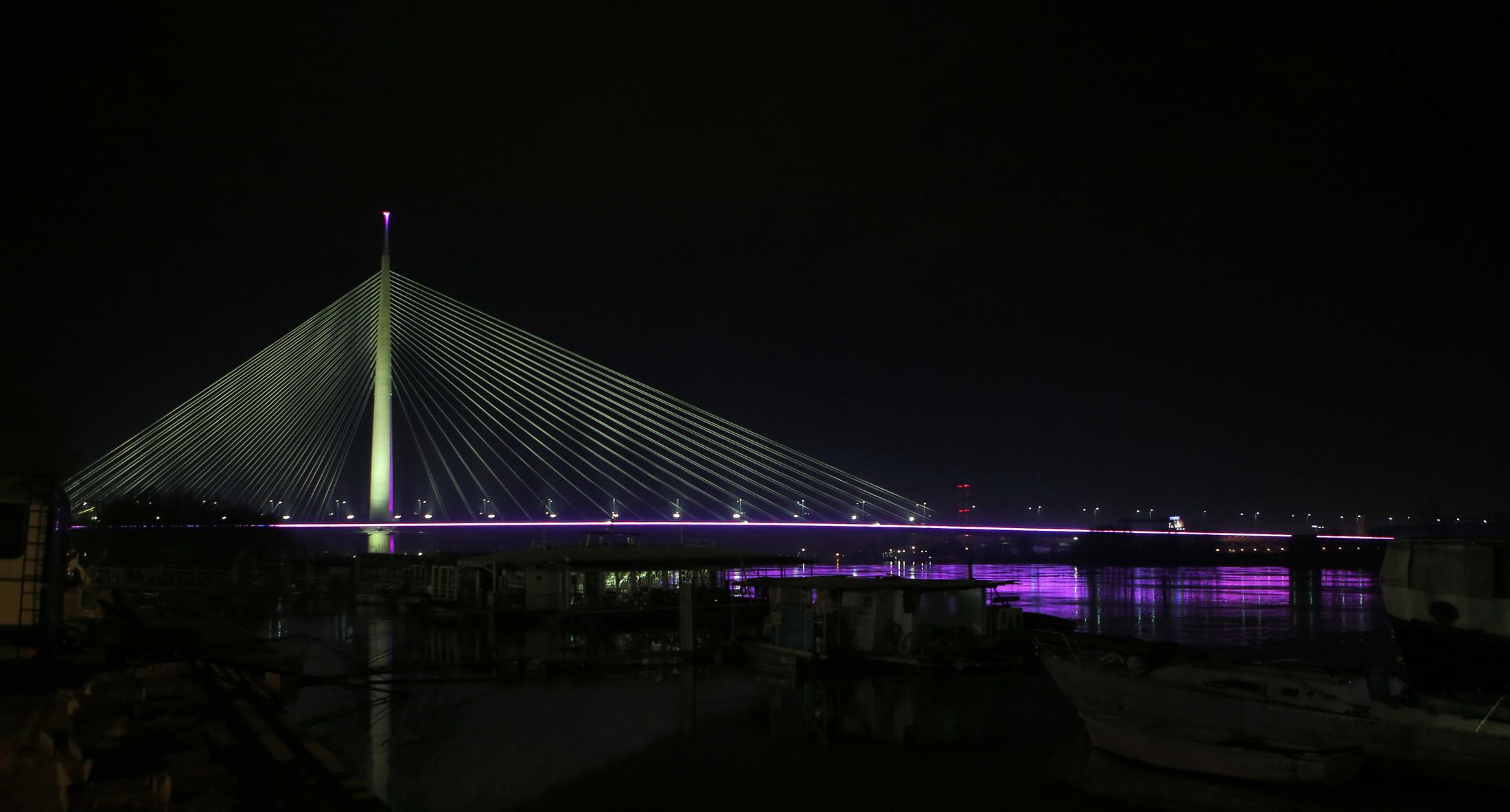 Most na Adi Beograd u znaku borbe protiv raka dojke