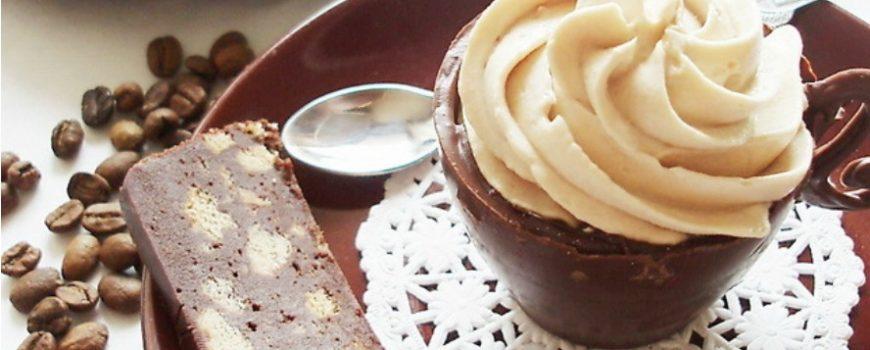 Probajte preslatke čokoladne čašice sa kapućino šlagom