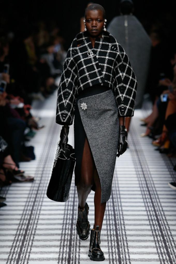 jesenja kolekcija brenda balenciaga 1 Paris Fashion Week: Revije brendova Balenciaga, Isabel Marant i Christian Dior
