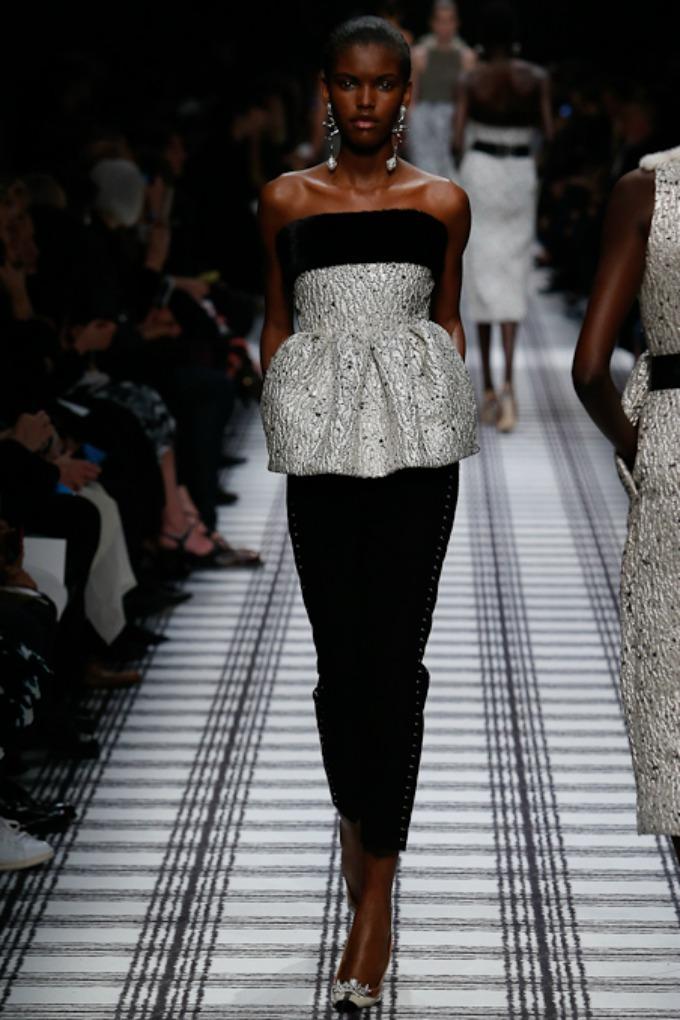 jesenja kolekcija brenda balenciaga 7 Paris Fashion Week: Revije brendova Balenciaga, Isabel Marant i Christian Dior