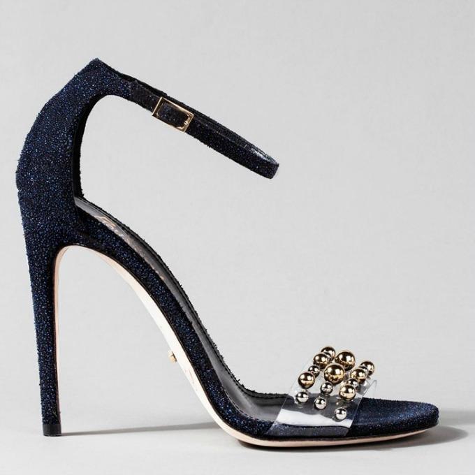 poznati dizajneri kreirali savrsene cipelice za pepeljugu 3 Poznati dizajneri kreirali savršene cipelice za Pepeljugu