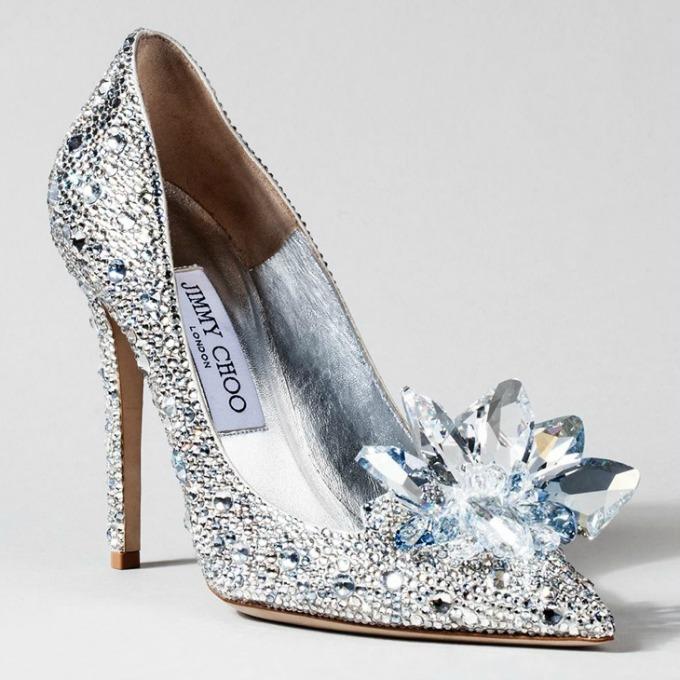poznati dizajneri kreirali savrsene cipelice za pepeljugu 4 Poznati dizajneri kreirali savršene cipelice za Pepeljugu