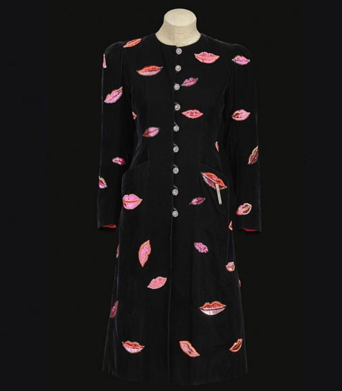saint laurent 4 Izložba posvećena kontroverznoj kolekciji Yves Saint Laurent iz 1971.