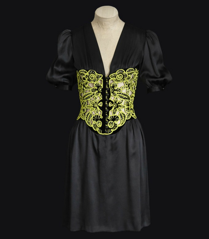 saint laurent 5 Izložba posvećena kontroverznoj kolekciji Yves Saint Laurent iz 1971.