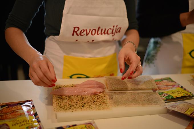 Revolucija iz tiganja 2 Revolucija iz tiganja: Sočna piletina bez kapi ulja