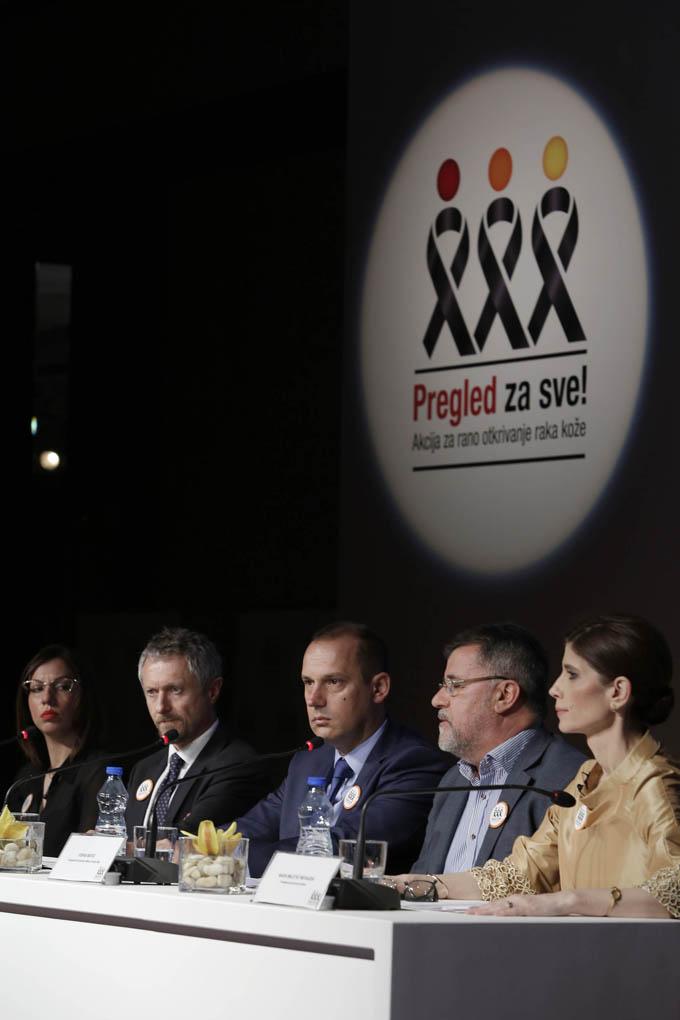 Ucesnici Konferencije za medije akcije Pregled za sve Rak kože se može videti – gledaj da preživiš!