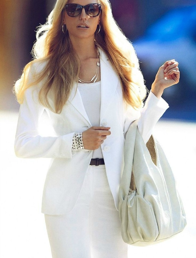 beli komplet 2 Vodič kroz poslovni stil: Kako da nosite beli komplet