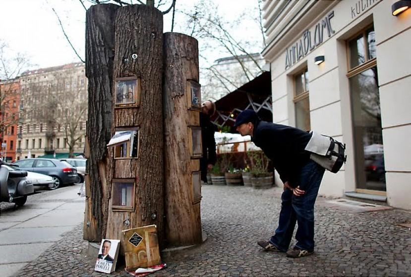 biblioteka drvo Ulične biblioteke kojima nećete odoleti
