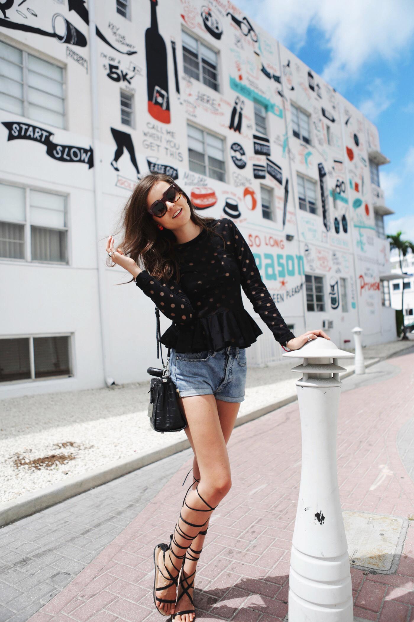 endi Šta strane modne blogerke nose ovih dana?