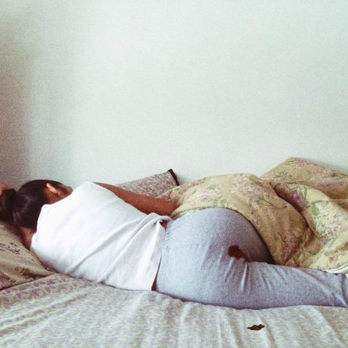 fotografije sa tragovima menstruacije 1 Instagram se izvinjava zbog menstruacije