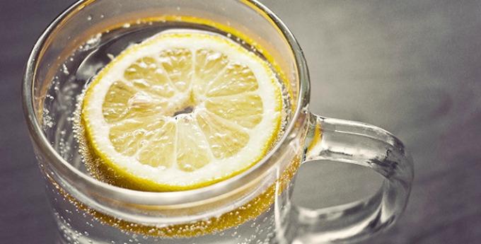limunada u vodi Da li topla limunada topi kilograme?