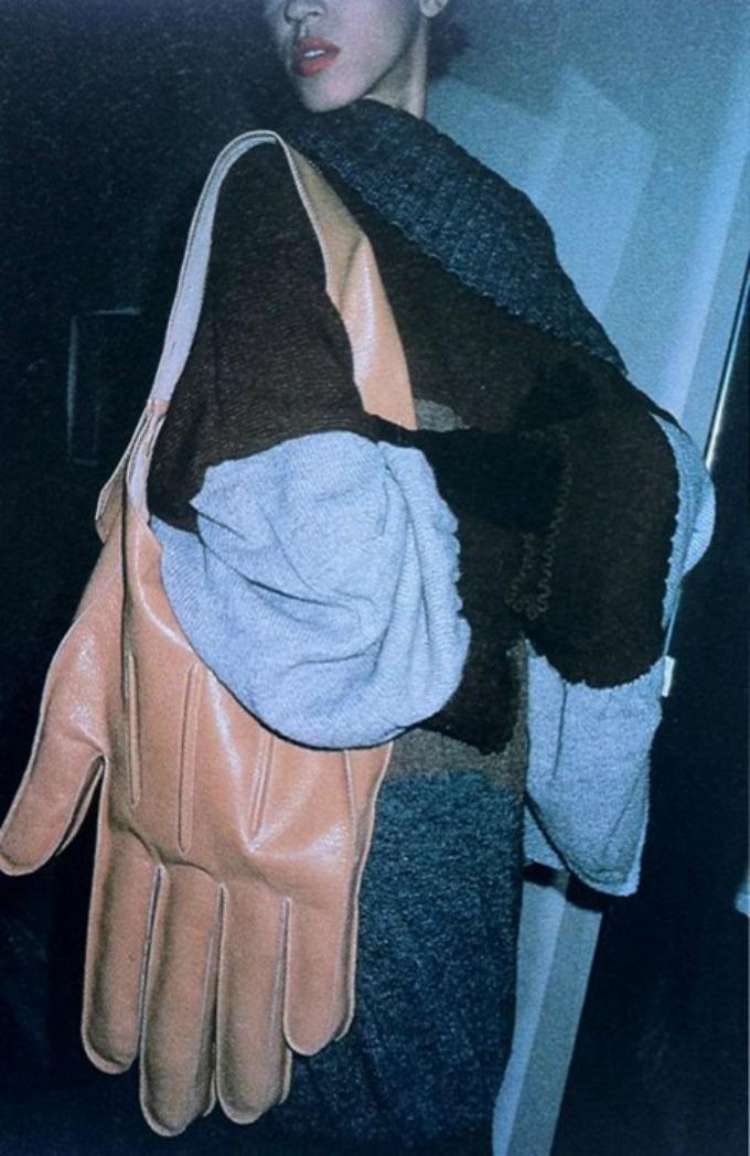 ruke kao modni detalj 2 Ruke u službi modnog detalja