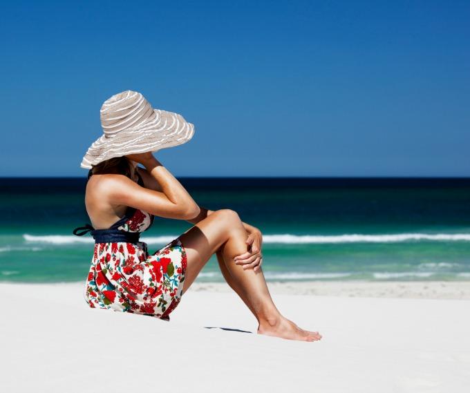 zena na plazi1 Kako da ostaneš fit i na odmoru