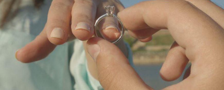 Pogledajte ovaj video: Život jednog prstena u 60 sekundi!