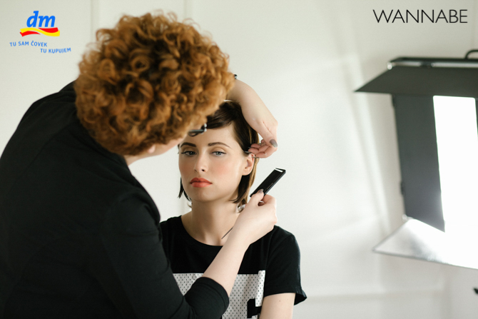 DM style to go Wannabe magazine tutorial 341 dm look Style to go tutorijal: Napravi frizuru za 5 min!