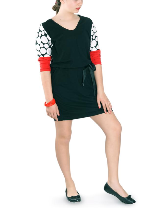crna haljina sa crvenim rukavima i tufnama za svaki dan Kerefeke: Spoj modernog i tradicionalnog