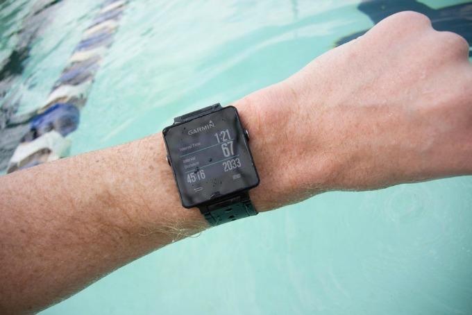 garmin 33  Predstavljamo Vívoactive™ –  Garmin GPS pametni sat za aktivan život