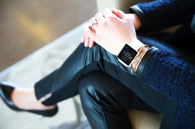 garmin  Predstavljamo Vívoactive™ –  Garmin GPS pametni sat za aktivan život