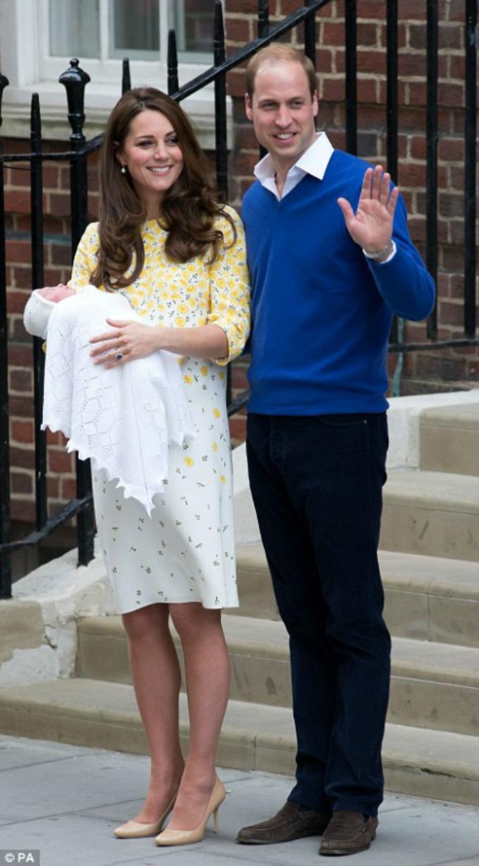 kejt i vilijam Kejt Midlton ponovo u haljini Dženi Pekam nakon porođaja
