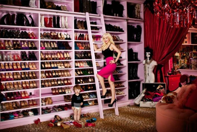 kolekcija cipela 1 Poznate lepotice sa najvećom kolekcijom cipela