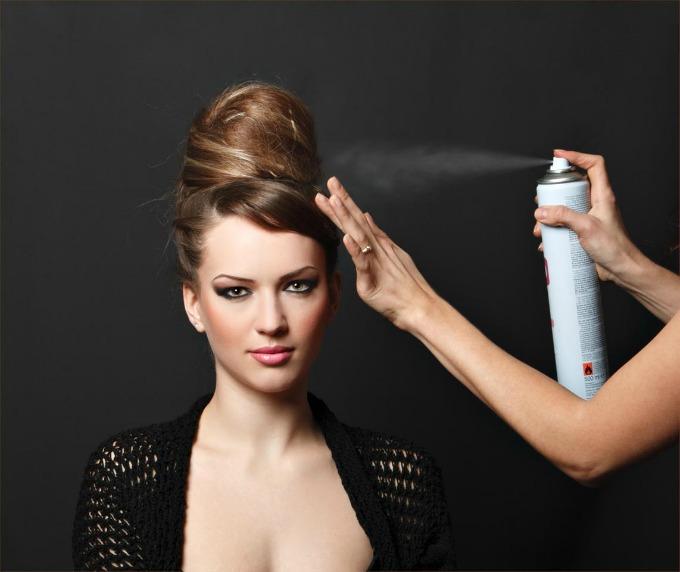 lak za kosu1 Sve ono što niste znali o laku za kosu