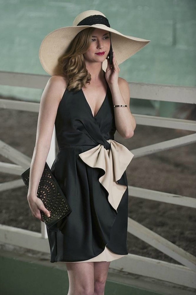 moda u seriji revenge 1 Najlepše odevne kombinacije junakinja iz serije Osveta